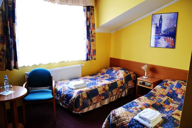hotel_orlik_plonsk_pokoj_dwuosobowy_standard-(2)