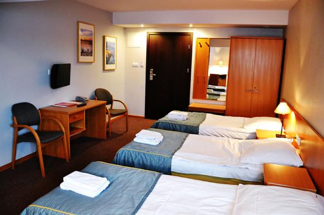 hotel_orlik_plonsk_pokoj_trzyosobowy_standard_plus